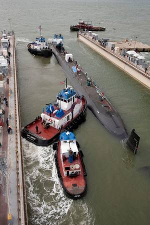 Minnesota Heads for NNS Submarine Pier: Photo credit HII