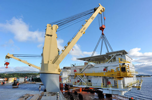 Loading the Modules: Photo courtesy of SAL Heavy Lift