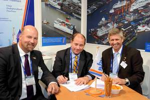 Don Vogler and the managing directors of Lloyd Werft Bremerhaven GmbH, Carsten J. Haake (left) and Ruediger Pallentin (right) (Photo: Lloyd Werft).