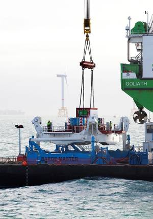 Barge Master T700 in use as a crane platform and a supply platform (Photo courtesy of Barge Master)