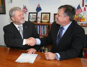 Raydon Gates, CEO of Lockheed Martin Australia, and Chief Defence Scientist Dr. Alex Zelinsky
