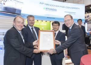 From left to right: Ole Grøne, Senior Vice President, Promotion & Sales at MAN Diesel &Turbo; Trond Hodne, DNV GL Business Director Maritime; Dug Ki Min, Vice President of the Initial Planning and Initial Hull Design Dept. at HMD; and Henning Kuhlmann, Managing Director at Becker Marine Systems (Photo: DNV GL)