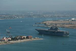 America arrives San Diego: Photo USN