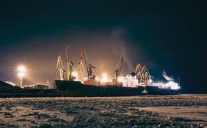 Arctic Ships iStock_000034017076Large web.jpg