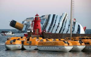 Costa Concordia aground (Photo: WikiCommons)