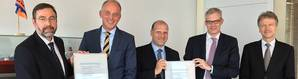 (from left to right): Certificate handover in Hamburg with Torsten Schramm (DNV GL), Carsten Sommerhage, Axel Schulz (both CSM), Dirk Lange and Olaf Quas (both DNV GL). Photo: DNV GL