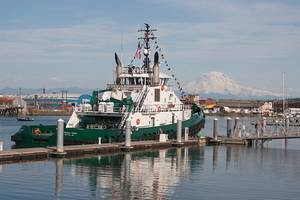 The Nicole Foss with Mount Rainier in the background (Photo: Foss)