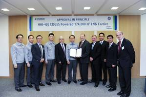 Shin Hyun-soo, CTO of HHI (sixth from left) and Jeremy Barns, Commercial Marketing Director of GE Aviation Marine (seventh from left) are holding the AIP certificate that HHI and GE received from Lloyd's Register for COGES Powered 174,000 m3 LNG Carrier (Photo: HHI)