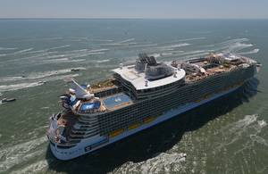 Harmony of the Seas (Photo: PALFINGER MARINE)