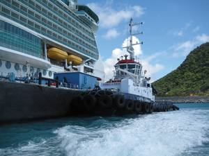 IMG_1287_Tug Boat STATIA SUNRISE assists in Bunkering of the SERANADE OF THE SEAS cruise ship web.jpg