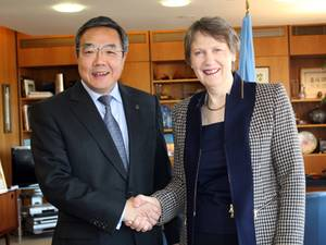 UNDP Administrator Helen Clark with IMO Secretary-General Koji Sekimizu (Photo: IMO)