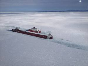 Icebreaker Great Lakes.jpg