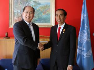 The visit by Indonesias President Joko Widodo (right) was part of Lim's initiative to raise awareness of IMO within the broader audience of global leadership (Photo: IMO)