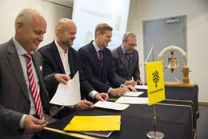From left: Ted Bågfeldt, Head of Academy, Kalmar Maritime Academy, Linnaeus University; Paal Aamaas, Senior Vice President, Kongsberg Digital; Tord Ytterdahl, Deputy CEO, Viking Supply Ships; and Ulf Gullne, Head of the Swedish Maritime Administration's Ice-breaking Division signing the MoU for academic exchange and cooperation within the framework of the Kalmar Ice Academy. (Photo: Kongsberg)