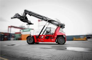 Kalmar Gloria reachstacker featuring K-Motion drive train