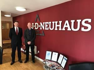 Steve Walker, managing director of JD Neuhaus (left); and Colin Naylor, managing director of Lifting Gear Hire. (Photo: LGH)