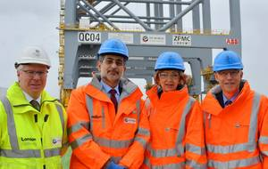 Left to right: London Gateway CEO Simon Moore, DP World Group CEO Mohammed Sharaf, The Lord Mayor of the City of London Fiona Woolf, and The Lord Mayor's Consort Nicholas Woolf.