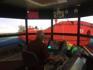 Captain Arbogast, Houston Pilots, maneuvering a Z-Drive tug at MSRC (Photo: Pascal Rhéaume)