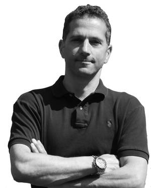The Author Murray Goldberg is CEO of Marine Learning Systems (www.MarineLS.com). An eLearning researcher and developer, his software has been used by 14 million people worldwide.
