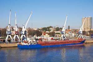 Newcastlemax dry bulk vessel Photo Acnaleksy Fotolia Adobe Stock