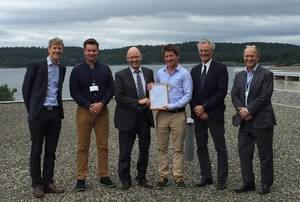 Presentation of the AiP. From left Pål Spilleth (DNV GL)%2c Marius Øverland (Vard)%2c Johan P. Tutturen (DNV GL)%2c Andreas Buskop (Vard)%2c Roald Vårheim and Magnus Lindgren (both DNV GL)