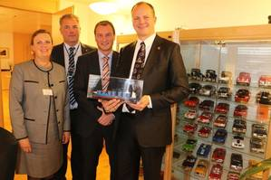 From left to right: Port Director of the Port of Oslo - Anne Sigrid Hamran, Director Norwegian Port Association - Arnt-Einar Litscheim, Country Manager Samskip – Bjorn Waglen and the Minister of Transport - Ketil Solvik-Olsen.