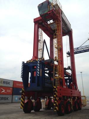 Straddle Carrier Photo Kalmar