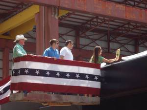 TY Offshores Heada Smith Johnny Pasentine Dennis J Pasentine with Cindy Pasentine Hull as she Christens FMT 3242 WEB.jpg