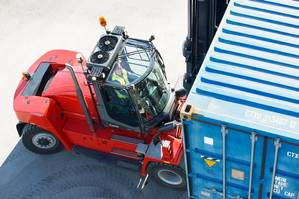 The order includes four Kalmar DCE330-RoRo forklifts Photo Kalmar