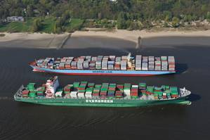 Two passing containerships on the Elbe (Photo courtesy of the Port of Hamburg)