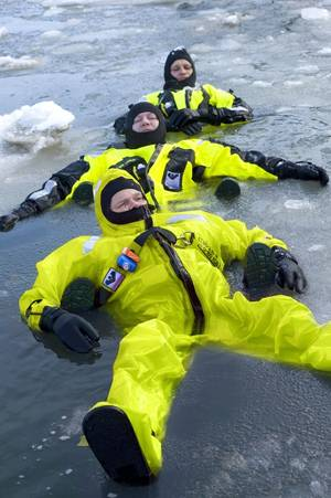 VIKING's arctic suit triumphs over extreme temperatures_PS5002
