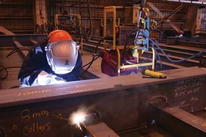 Remote control welding technology allows welding operators to set welding parameters at the joint without the need to carry, route, troubleshoot and maintain expensive control cables — all while delivering consistent welding performance.