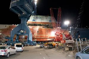 Zumwalt-class under construction: Photo courtesy of USN