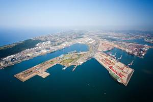 file Image: The port of Durban, South Africa / © MichaelJung