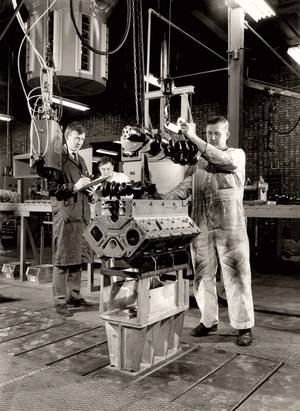 Assembling a Vee engine (Photo: Cummins Darlington)