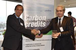 Carlos Soler, AkzoNobel's Business Director for Southern and Eastern Europe (left) presenting 13,735 carbon credits to Costas Mitropoulos Neda Maritime Co Ltd's Technical Director (Photo: AkzoNobel)