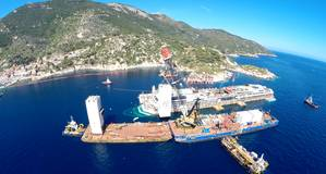 Dutch crane barge Conquest MB1 assists salvage operations for the refloat of Costa Concordia (Photo courtesy of Conquest Offshore)