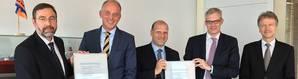 (from left to right): Certificate handover in Hamburg with Torsten Schramm (DNV GL), Carsten Sommerhage, Axel Schulz (both CSM), Dirk Lange and Olaf Quas (both DNV GL). Photo: DNV GL
