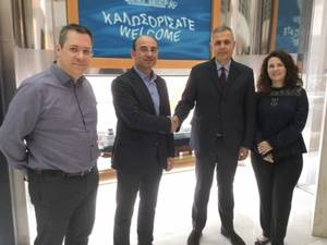 Pictured in the center-left, Mr. Theofanis SALLIS, General Manager of Operations of GasLog in Greece, along with Mr. Ioannis ATHANASOPOULOS (center-right), Managing Director of Seagull Greece. On the far left, Mr. Antonios LIAPPIS, Marine HR Manager of GasLog. On the far right, Mrs. Archontia LENI, Competency Assurance Manager of GasLog. (Photo: GasLog)