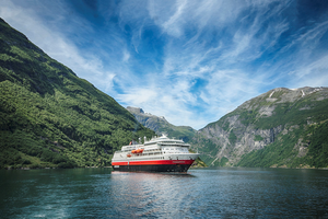 MS Finnmarken. Photo: Agurtxane Concellon/Hurtigruten