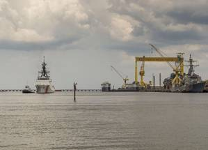 National Security Cutter James (WMSL 754) sails away from Ingalls Shipbuilding. (Photo: Lance Davis/HII)