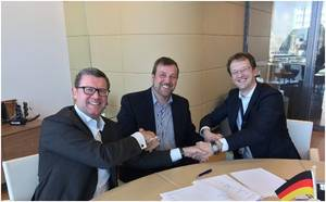 From left to right: Ard-Jan Kooren (KOTUG), Dirk Lehmann (Becker Marine Systems) and Arjan Stavast (Shell Downstream LNG)