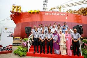 Y.A.B Datuk Seri Panglima Musa Haji Aman, Chief Minister of Sabah and Y.A.B Datin Seri Panglima Datuk Hajjah Faridah Haji Tussin, wife of Chief Minister of Sabah with the distinguished guests on the launch of M3nergy Berhads latest FPSO vessel -- Ratu Nusantara.