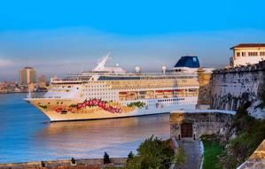 Norwegian Sky in Havana (Photo: Norwegian Cruise Line)