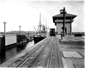 Grace Lines COLOMBIA transit of Panama Canal. Source: U.S.Merchant Marine Academy Maritime Museum.