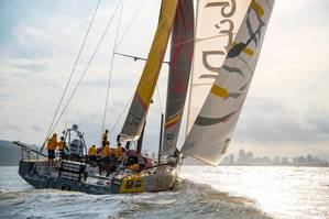 Abu Dhabi Ocean racing on the approach to Itajaí. Photo by Volvo Ocean Race