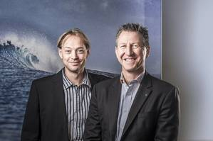 Left to right: Floris Lettinga, YMI Global Sales Manager, with Lutz W. Lester: Managing Director Neander Shark (Photo: Oliver Franke)