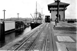 Grace Lines COLOMBIA transit of Panama Canal. Source: U.S.Merchant Marine Academy Maritime Museum.