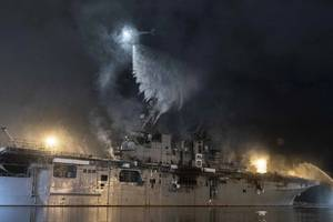 On July 12, a fire was called away aboard the USS Bonhomme Richard while it was moored pierside for a maintenance availability at Naval Base San Diego. (Photo: Garrett LaBarge / U.S. Navy)