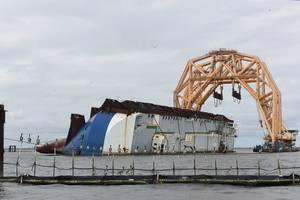 (Photo: Michael Himes / St. Simons Sound Incident Response / U.S. Coast Guard)
